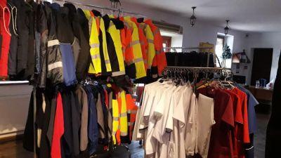 Odzież robocza, ochronna, specjalistyczna, ostrzegawcza i medyczna